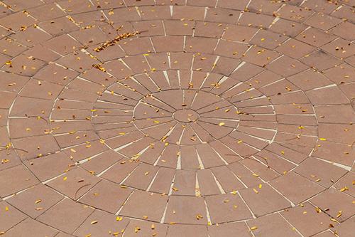 Mit Wunderbesen gereinigter Boden (Nachher-Foto)